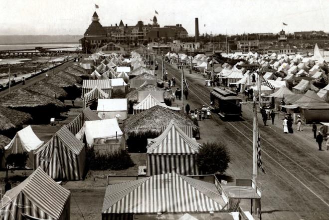 Hotel Del Tent City