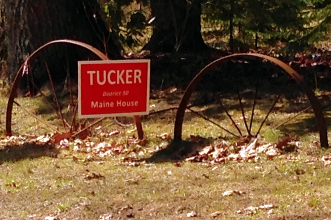 Tucker Sign