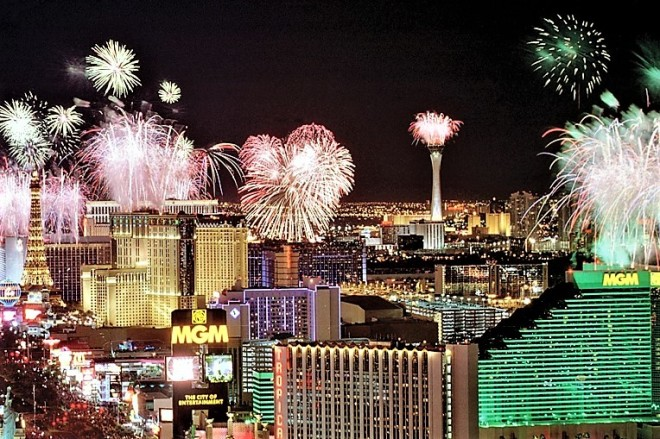NEW YEARS FIREWORKS OVER LAS VEGAS STRIP